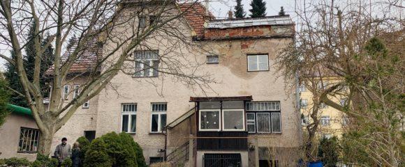 Prodej prvorepublikové vily, 1399 m2 – Střelecká
