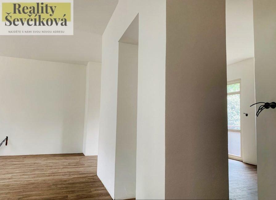 Prodej bytové jednotky se započatou rekonstrukcí, 74 m2 – Labská Kotlina
