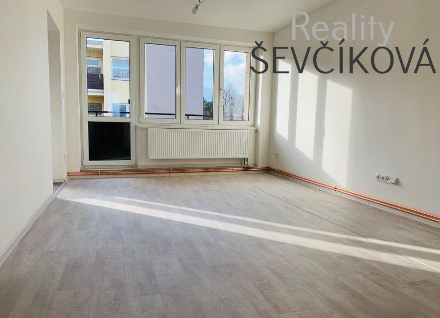 Prodej 3+kk s lodžií po nově dokončené rekonstrukci, 77 m2 – Kočí