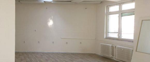 Pronájem komerčního prostoru/ateliéru, 64 m2 – Gočárova třída