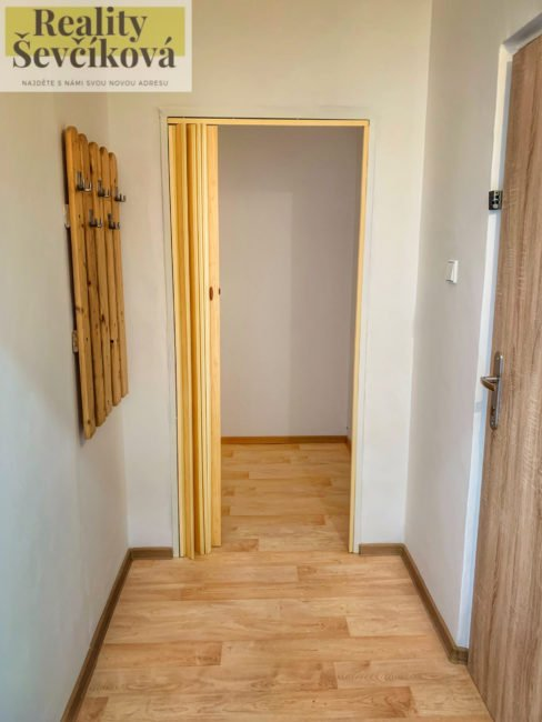 Pronájem 2+kk po kompletní rekonstrukci, 47 m2 – tř. Edvarda Beneše