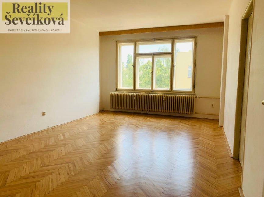 Pronájem 3+1 s terasou, 100 m2 – Mánesova