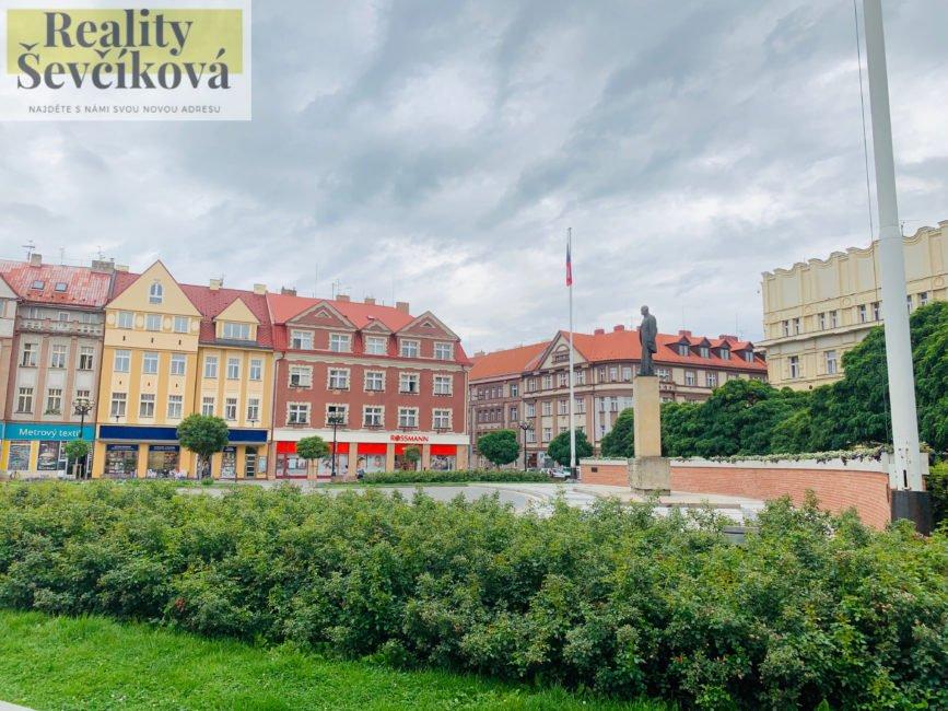 Pronájem 2+kk s balkónem, 55 m2 – Masarykovo náměstí