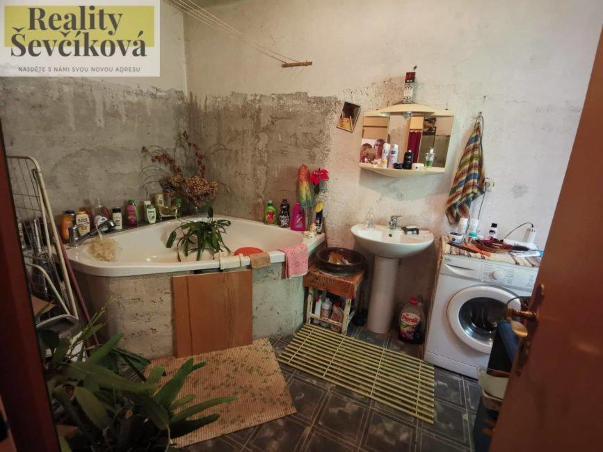 Prodej domu/chalupy, 606 m2 – Barchov