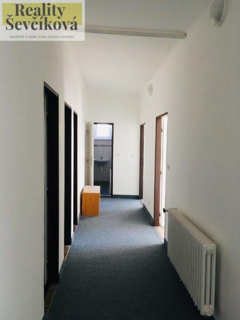 Pronájem 3+1 po rekonstrukci, 80 m2 – Pražská třída
