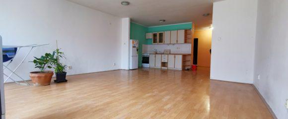 Pronájem prostorného 1+kk s komorou, 65 m2 – Velké náměstí