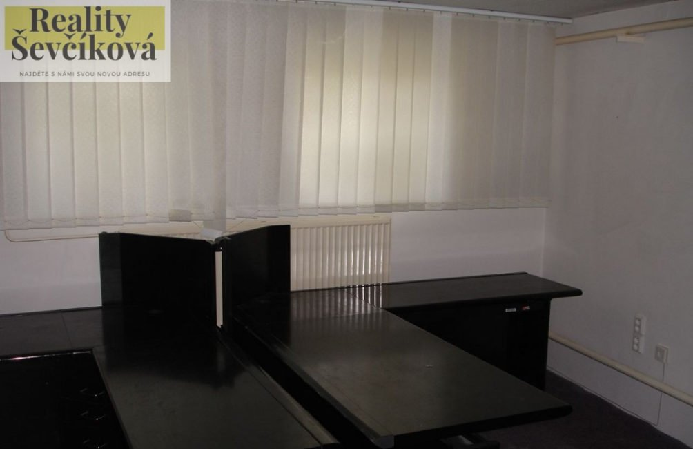 Pronájem výrobní haly/skladu 300 m2 – Račice nad Trotinou
