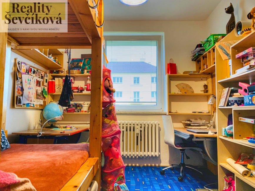 Prodej útulného 2+1 s balkónem, 57 m2 – Kpt. Nálepky, Pardubice