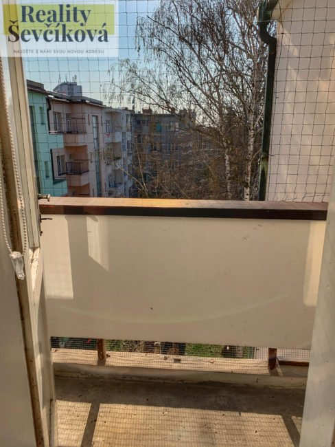 Pronájem pěkného 2+1 s balkónem, 80 m2 – Mánesova