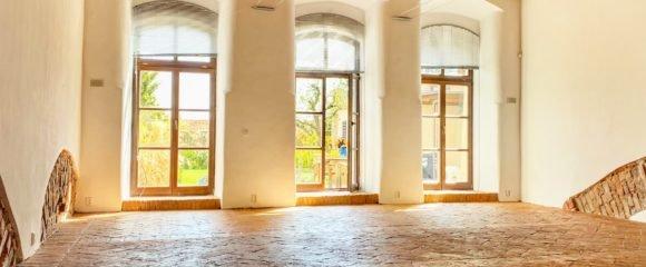 Pronájem prestižního obchodního prostoru, 135 m2 – Karla Tomana