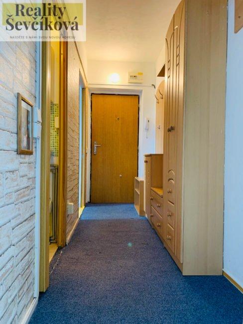Prodej 3+kk po částečné rekonstrukci, 43 m2 – Myslivečkova