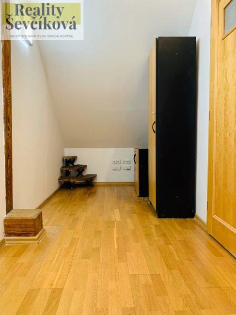 Pronájem nadstandardního 2+kk, 84 m2 – Karla Tomana