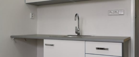 Pronájem 1+kk po rekonstrukci, 20 m2 – Gočárova třída