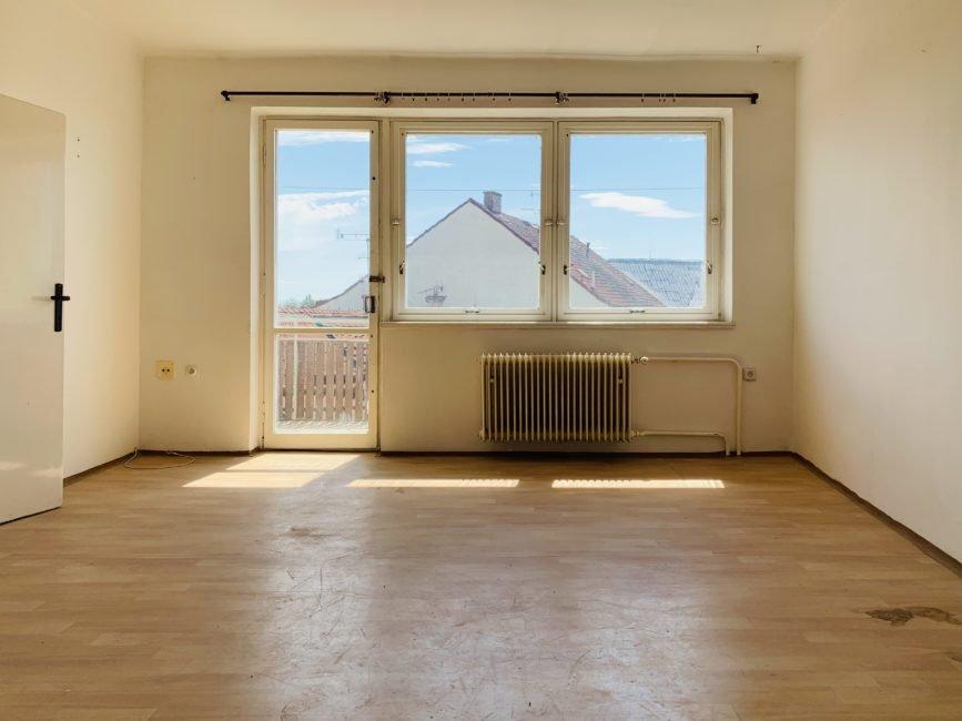 Pronájem 2+1 s balkónem – Malé náměstí