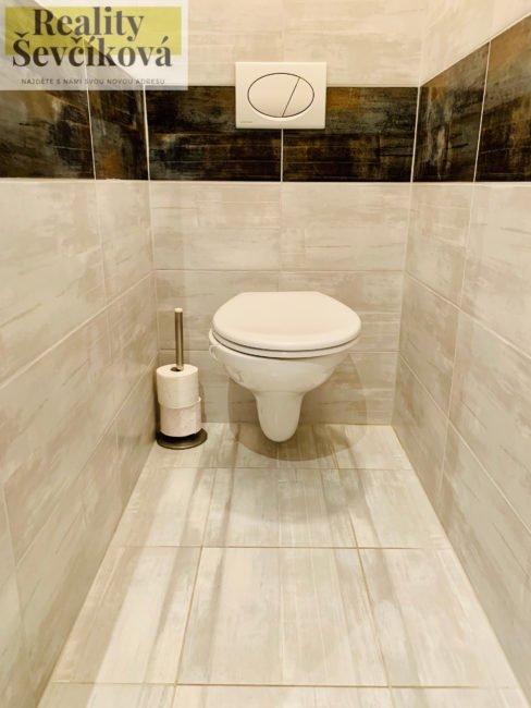 Pronájem kompletně vybaveného 2+1, 65 m2 – Štefánikova