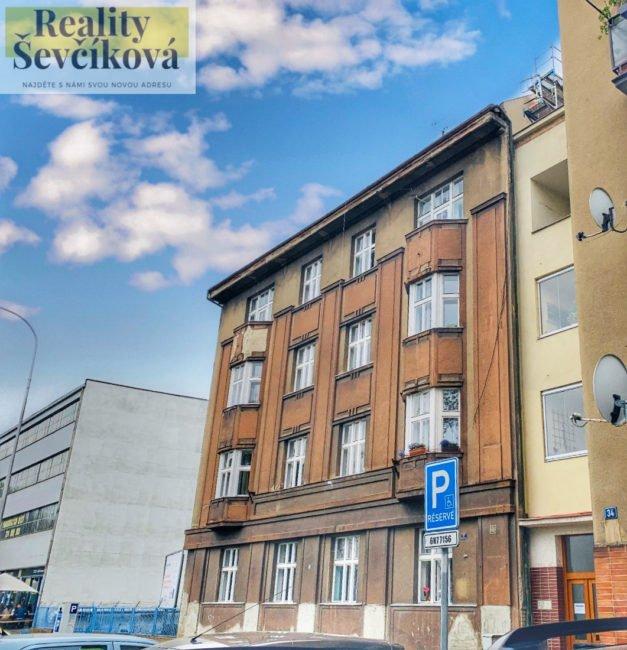 Pronájem bytu 2+kk se dvěma balkóny – Smetanovo nábřeží