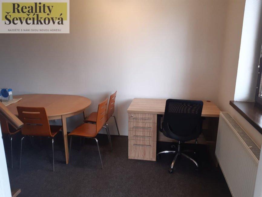 Pronájem 4+kk, 150 m2 s možností ubytování až 10 osob – Opatovice nad Labem