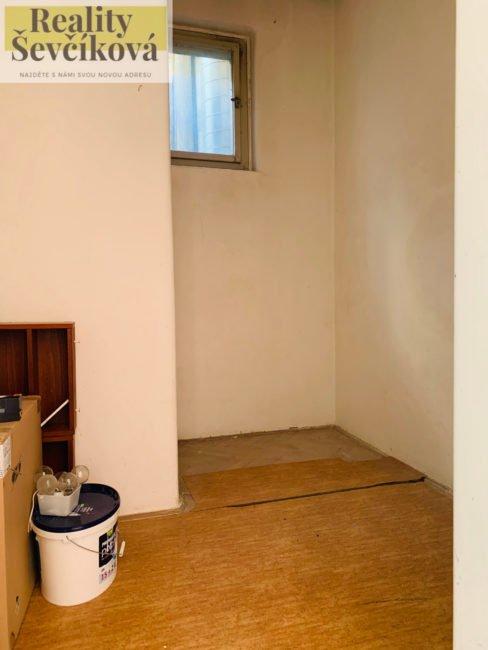 Pronájem 2+1 s balkónem a dvěma komorami, 84 m2 – Ulrichovo náměstí