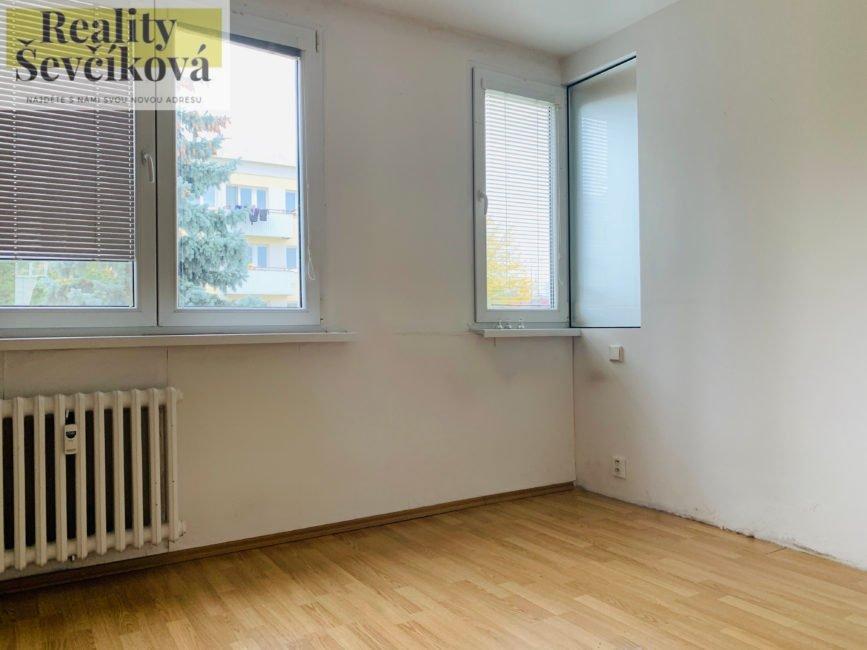 Pronájem 3+kk s balkónem, 62 m2 – Markovická