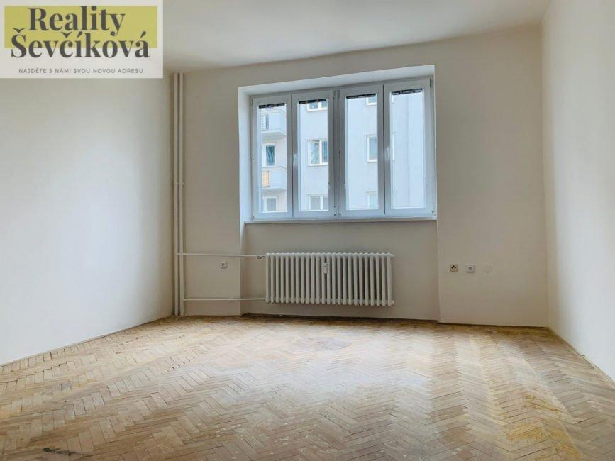 Prodej bytu 2+1 se dvěma komorami, 60 m2 – Břetislavova