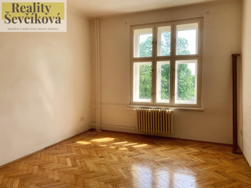Pronájem pěkného 1+kk, 30 m2 – Smetanovo nábřeží