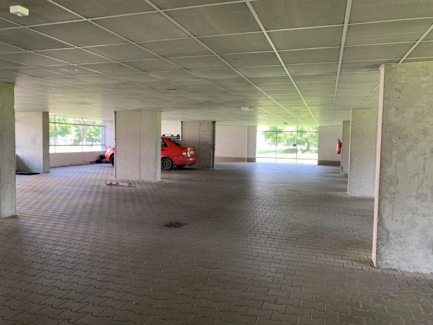 Pronájem 1+kk s lodžií a parkováním, 36 m2 – Svatojánská