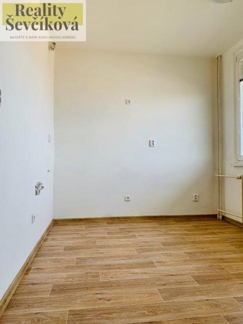 Prodej světlého 3+1 s lodžií, 71 m2 – Hrubínova