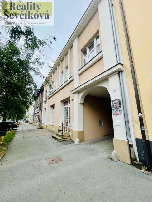 Pronájem pěkného 2+kk, 76 m2 – Chelčického