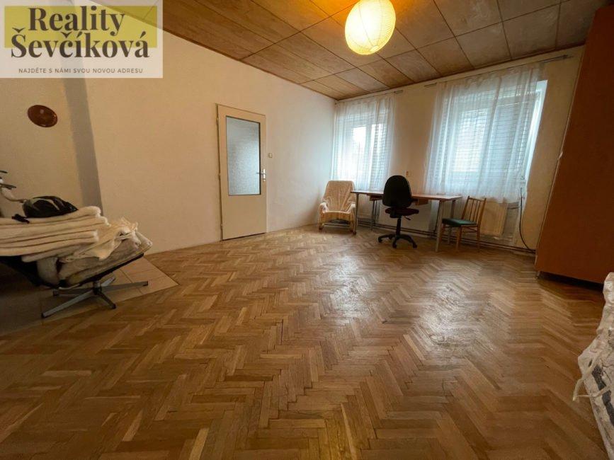 Prodej domu s pekárnou a velkorysým bytem 5+kk – Rokytnice v Orlických horách