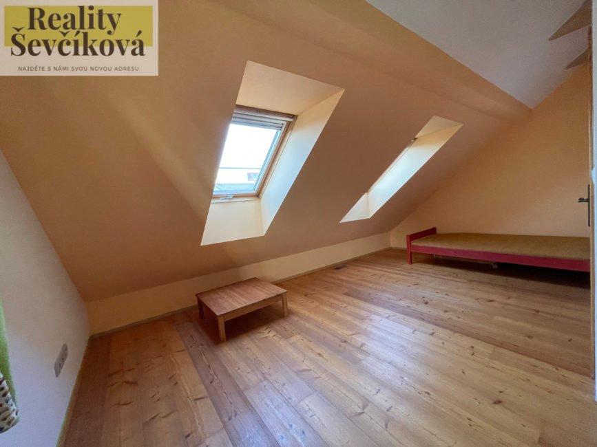 Pronájem domu 4+kk, 425 m2 – Pražské Předměstí